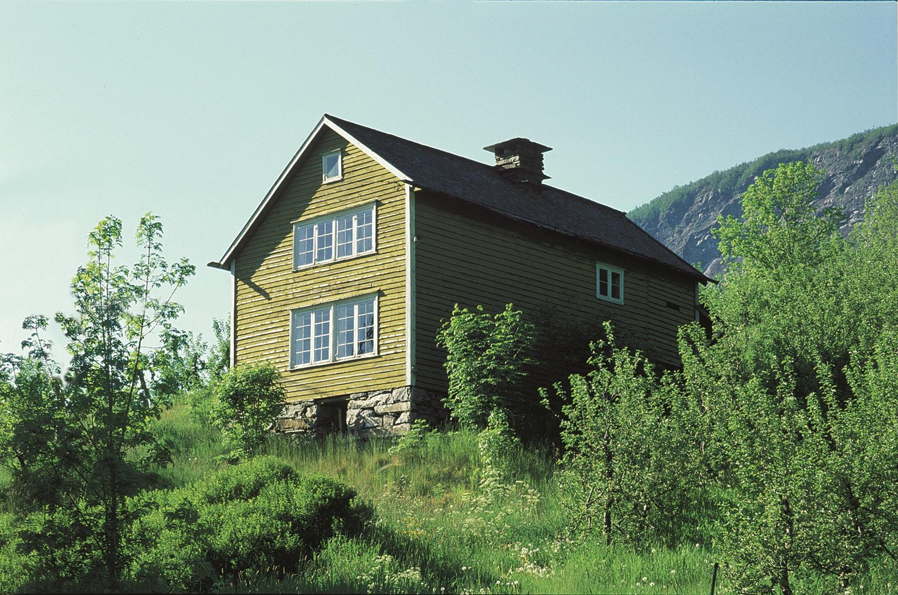 Brynjelstova at Storegraven