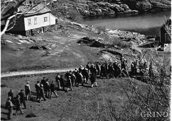 Deportations from Tælavåg 30 April 1942.