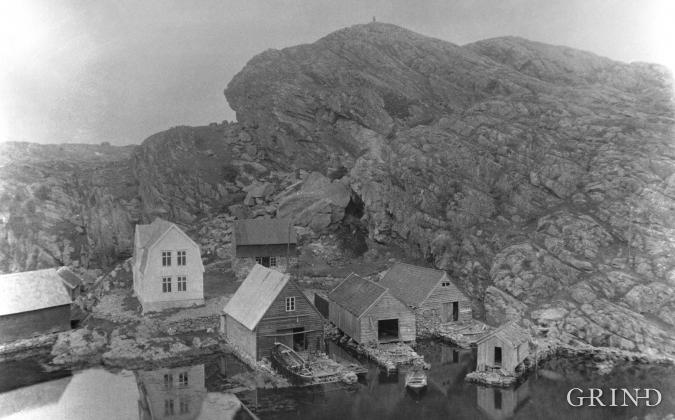 Kjerringholet under utgraving i 1930.