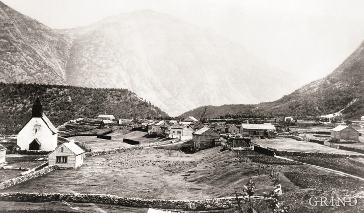 Eidfjordterrassen sedd frå Lægreid, truleg tidleg på 1900-talet.