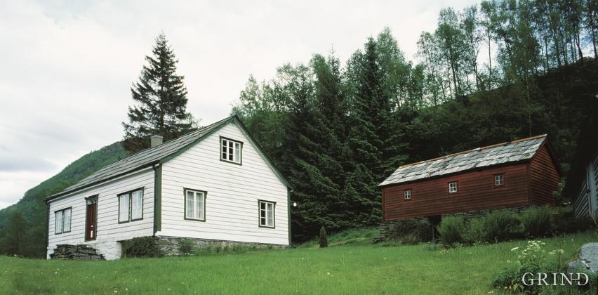 Mjånes, Fusa