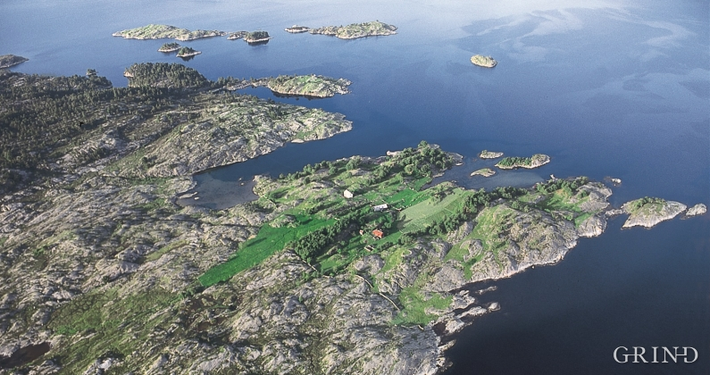 The south side of Raunøya.