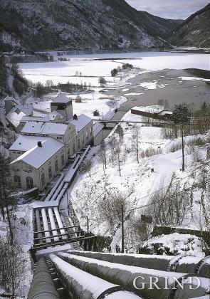 Frøland kraftverk og Frølandsvatnet