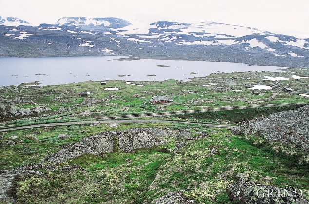 From the slopes above Nordrenut. Finsevatnet Lake and Hardangerjøkulen in the background.