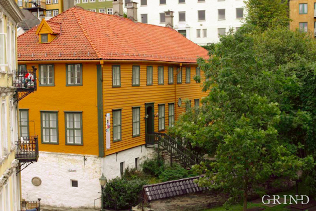 Den gamle Latinskole (Knut Strand)