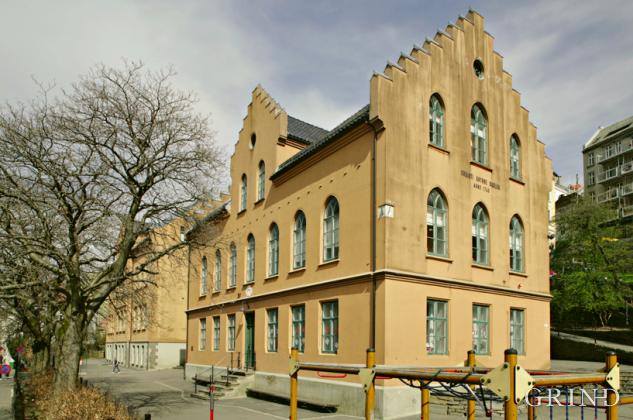 Christi Krybbe skoler (Knut Strand)