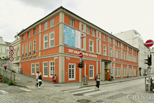 Kvarteret (Knut Strand)