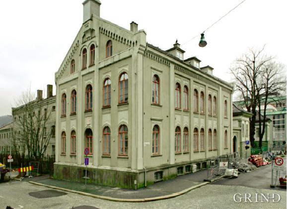 Det gamle tinghuset og Bergen kretsfengsel (Knut Strand)