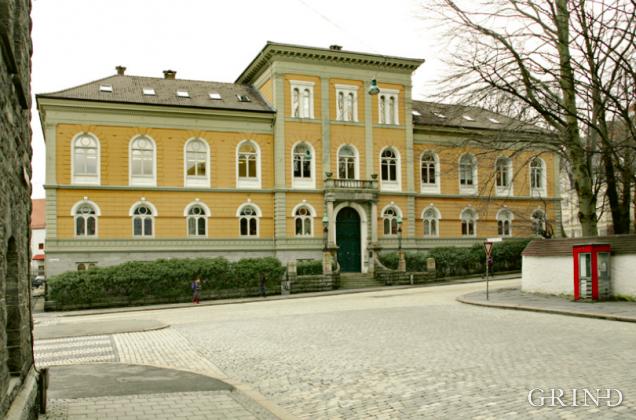 Kunsthøgskolen (Knut Strand)