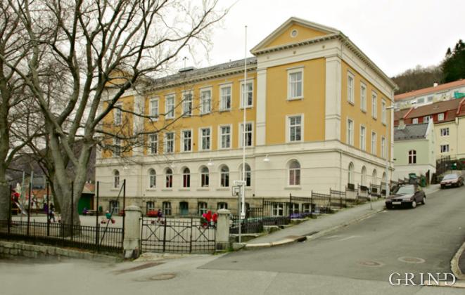 Krohnengen skole (Knut Strand)