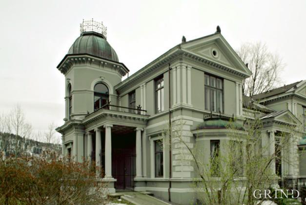 Villaveien 9 (Knut Strand)
