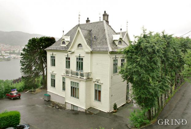 Villa Kalvedalsveien 49a (Knut Strand)