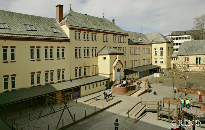 Nordnes skole (Knut Strand)