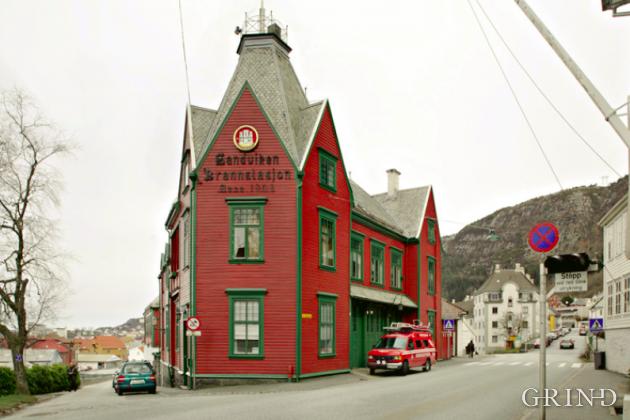 Sandviken Brannstasjon (Knut Strand)