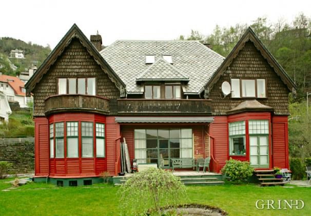Villa Øvre Kalfarlien 31 (Knut Strand)
