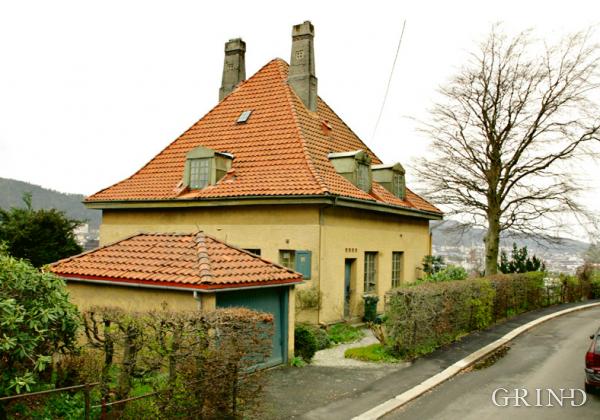 Villa Kalfarlien 18 (Knut Strand)