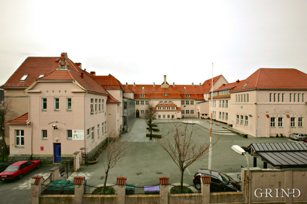 Rothaugen skole (Knut Strand)