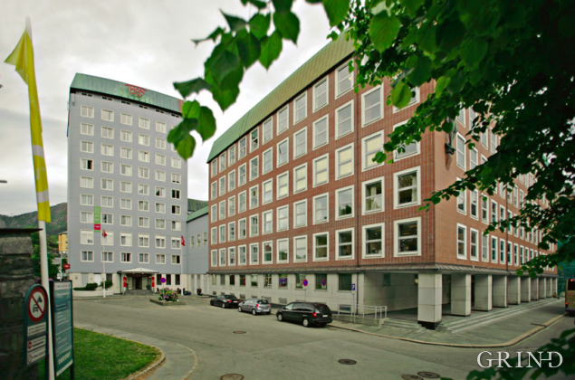 DBS og Hotell Orion (Knut Strand)