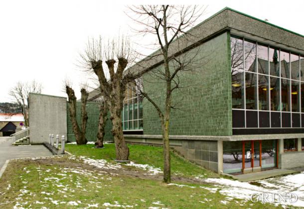 Universitetsbiblioteket (Knut Strand)