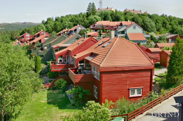 Kjenndalslia rekkehus (Knut Strand)