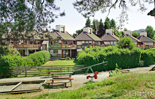 Leirvikneset (Knut Strand)