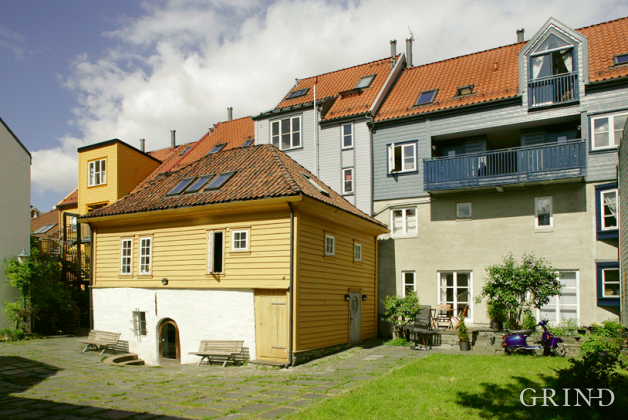 Nedre Hamburgersmau (Knut Strand)