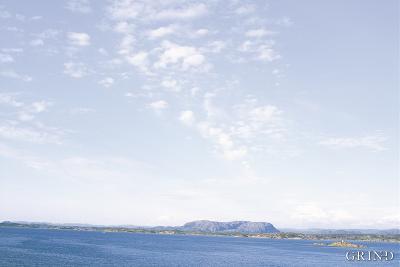 Merder i sjøen utenfor Rong i Øygarden