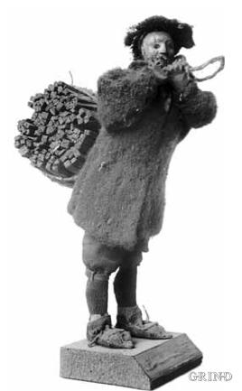 Vedberar. Draktfigur av Jørgen Garnaas