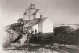 Fyrvaktarfamilien Normann på Holmengrå
