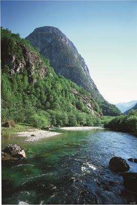 Frå Nærøydalen mot Jordalsnuten
