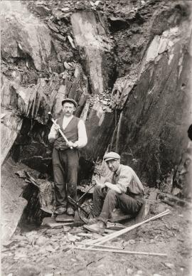 Johannes Håheimsnes og Ola Frette i skiferbrotet
