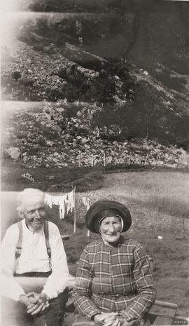 Kårfolket på geitegarden Hammarland i 1933.