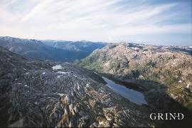 Storavatnet i fjellet mellom Farestveit i Modalen og Flatekvål i Eksingedalen
