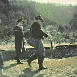 Salmon fishing in Lonelva in the 1950s.