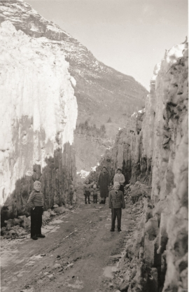 Avalanche over the road to Velure in 1960