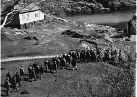 Deportations from Tælavåg 30 April 1942.