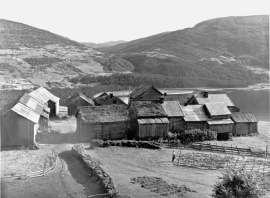 The Mølster farm in the interim war period.