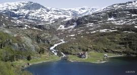 The mountain farm Øyna in Reinsnos.