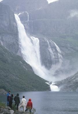 Ringedalsfossen innermost in Skjeggedalen