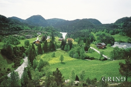 Portion of the Frøysetelva River, by Sleire.