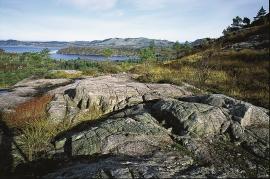 Eclogite bedrock at Ådnefjellet.