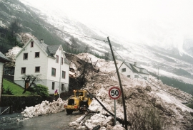 Avalanche - landslide accident at Kalvanes in Odda in January, 1993.