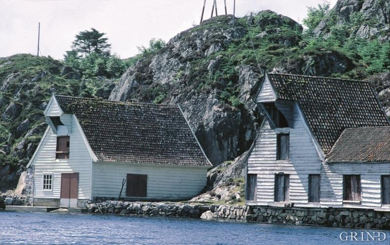 The large boathouse with a winching shed in the gable is one of the most characteristic building type in west Norwegian coastal architecture