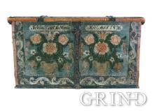 Gunder Gundersen Handeland heldt seg i stor grad til barokkens symmetriske urnemotiv