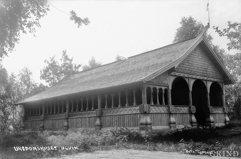 "The Youth House: ""Solhaug"" at Rossvold in Ulvik in 1920"
