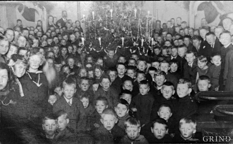 The Sunday Schools and the Christmas Tree parties gathered together many children in the rural districts of western Norway. Leirvik, Stord 1925.
