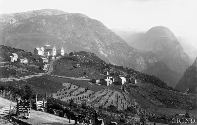 The second Stalheim Hotel with a view down Nærøydalen