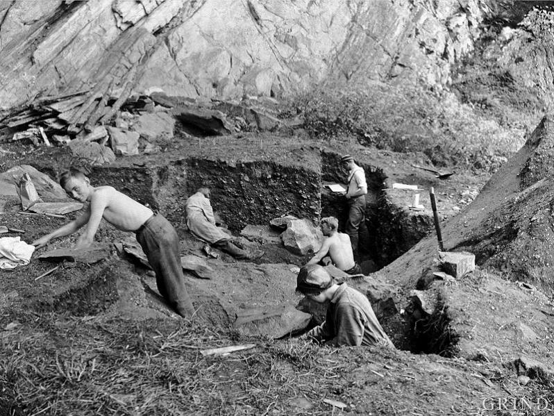 From the archaeological excavation at Skipshelleren in the summer of 1931