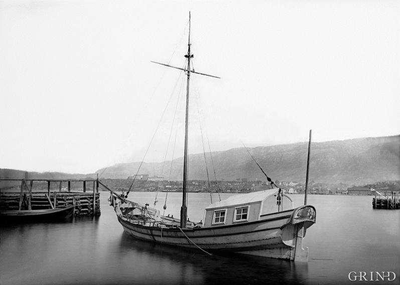 """The Eidsvoll boat"""