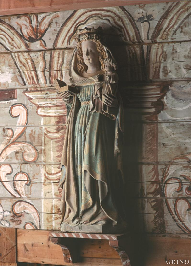 Madonna figure in Holdhus church